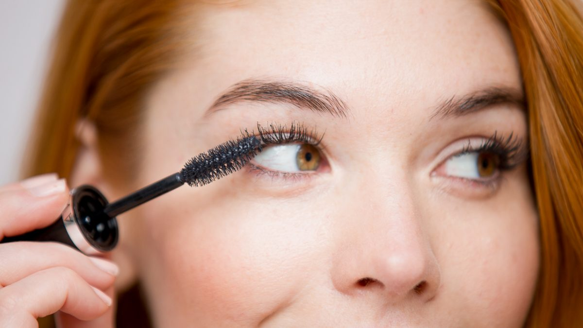 Mascara: The Battle Between Drugstore and Prestigious Brands